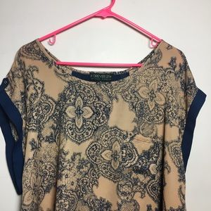Plus Size: Patterned blouse w/ back cut out